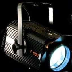 F650 Stage Light with Fresnel Lens  for Soft-Edged Theatrical Lighting