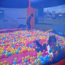 Ball Pit / Ball Pond