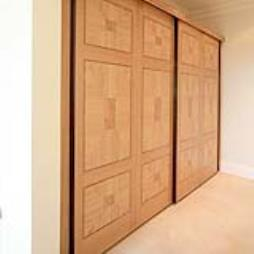 Fitted wooden wardrobes