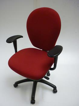 Red Torasen task chair with arms (CE)